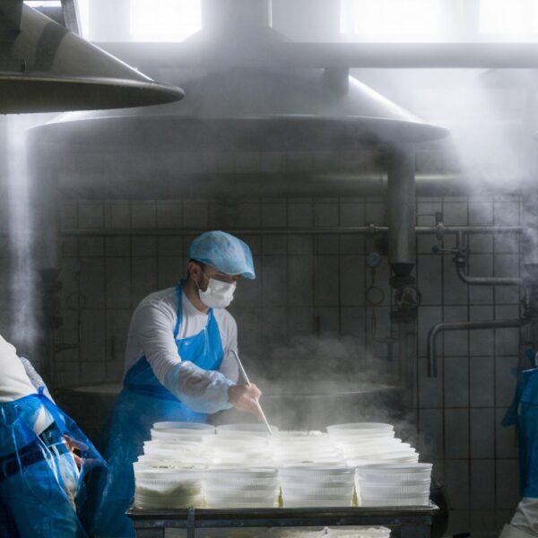Caseificio La Cava: produzione formaggi siciliani